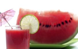 Desfrute de melancia no verão!