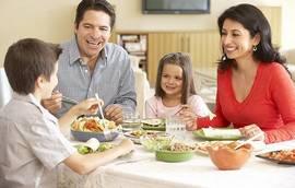 Refeições à mesa com os seus filhos...