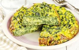 Spinach omelette - a tasty dinner, practical and healthy!
