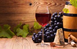 Vinho, tinto de preferência