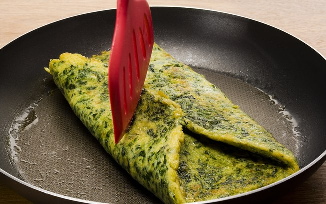 Spinach and Light Cottage Cheese Omelet