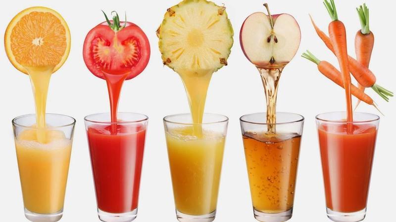 sumos naturais de diferentes sabores